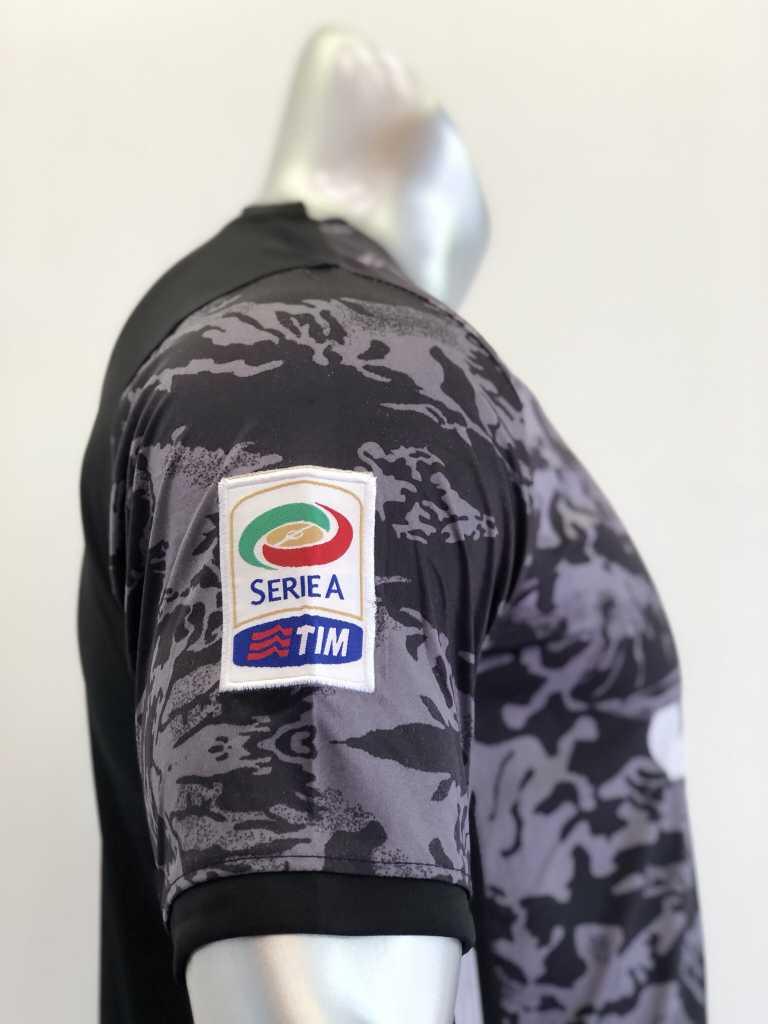 Quần áo bóng đá Juventus màu Xám mùa giải 19-20