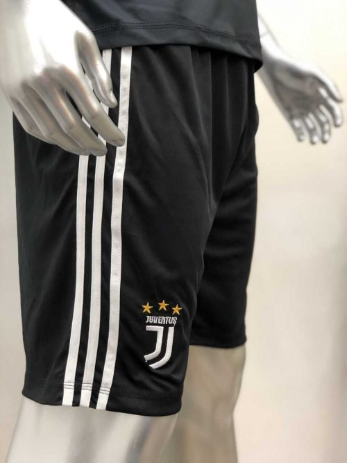 Quần áo bóng đá Juventus màu Đen mùa giải 19-20