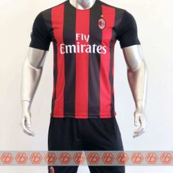 Quần áo bóng đá AC Milan màu Đỏ Sọc Đen mùa giải 20-21