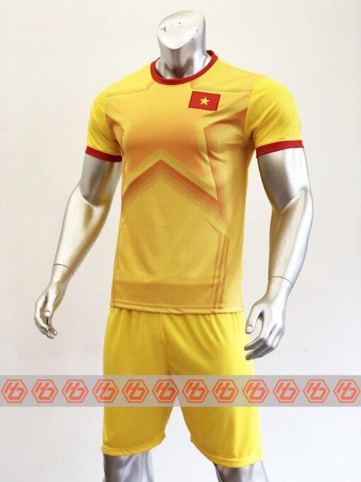 Áo thủ môn đội tuyển Việt Nam màu Vàng mùa giải 21-22 mặt nghiêng
