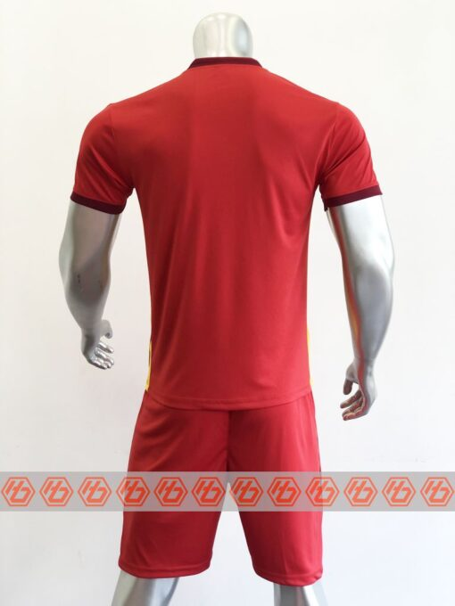 Áo đấu Việt Nam màu đỏ cổ tròn sân nhà 21-22 mặt lưng