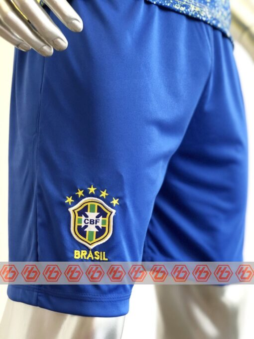 Quần áo bóng đá đội tuyển Brazil màu Vàng mùa giải 21-22 mặt nghiêng