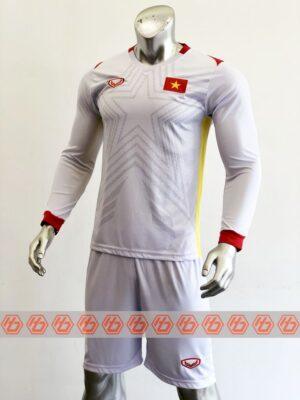 Áo đấu đội tuyển Việt Nam tay dài sân khách màu Trắng 21-22
