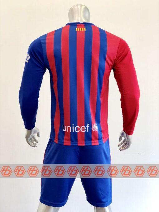 Quần áo bóng đá tay dài CLB Bacerlona màu Xanh sọc mùa giải 21-22