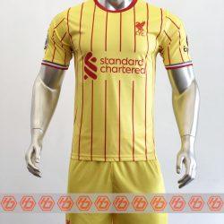 Áo Liverpool sân khách màu vàng 2021-2022