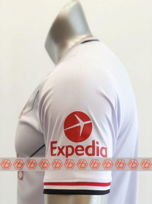 Áo Liverpool màu trắng sọc đỏ 2021-2022 4