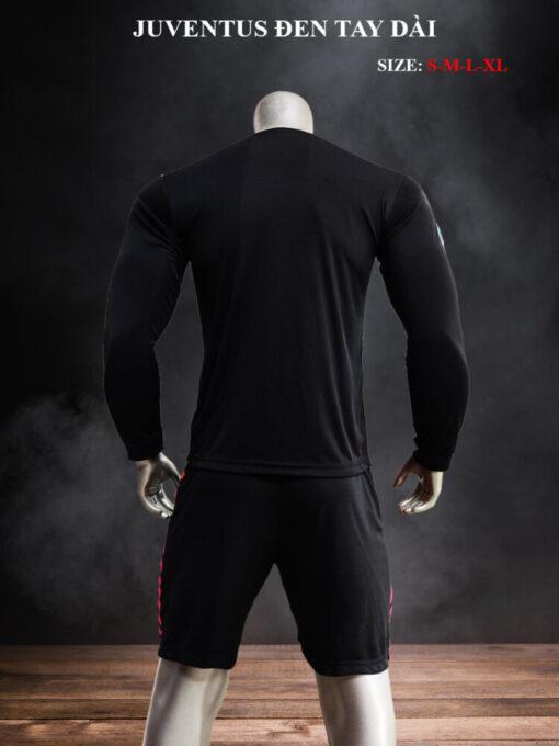 Quần áo bóng đá tay dài CLB Juventus màu Đen mùa giải 21-22 nghiêng mặt lưng